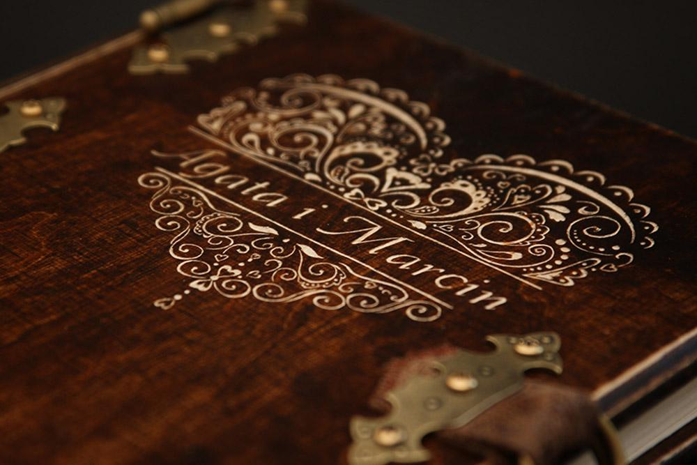 album drewniany ślub grawer